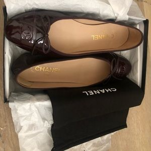 CHANEL Shoes - Classic Chanel Ballet Flat Dark Burgundy Sz 40